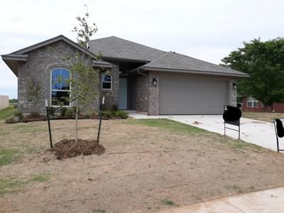 New Home for Sale in Chickasha, 828 Sleepy Hollow Boulevard