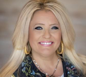 New Home Salesperson, Lori Kroh